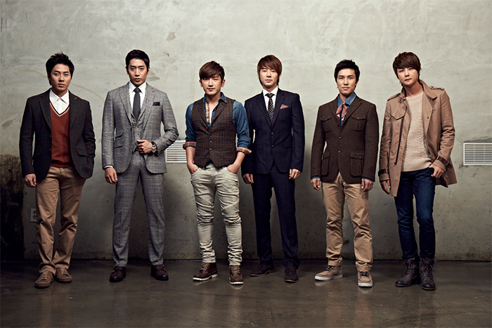 shinhwa-six-members-posing